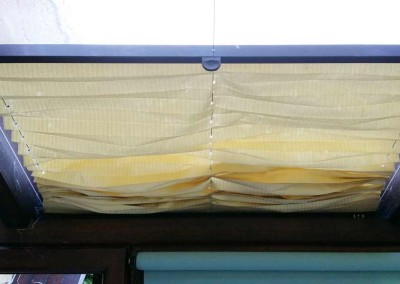 Sagging blinds due to the constant raising and lowering. An inconvenience for anyone.